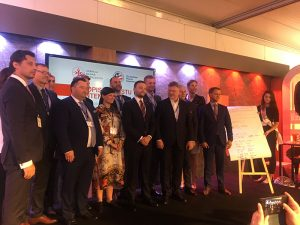 ABM podpisanie listu intencyjnego grupowe 300x225 - Agencja Badań Medycznych podpisała list intencyjny wspierający rozwój innowacji